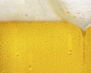 Glass Automatically Skims Beer Head Perfectly
