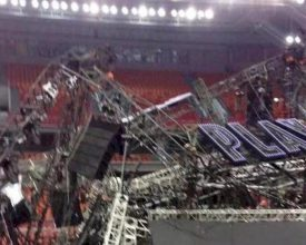 Stage Crashes Down in China: 1 Dead, 13 Injured