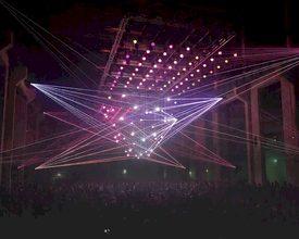 Spectacular kinetic 3D laser show