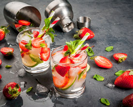 17 Healthy Alcohol-Free Drinks Your Guests Will Enjoy
